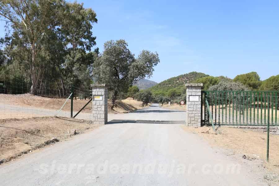 Portada de entrada al Lugar Nuevo