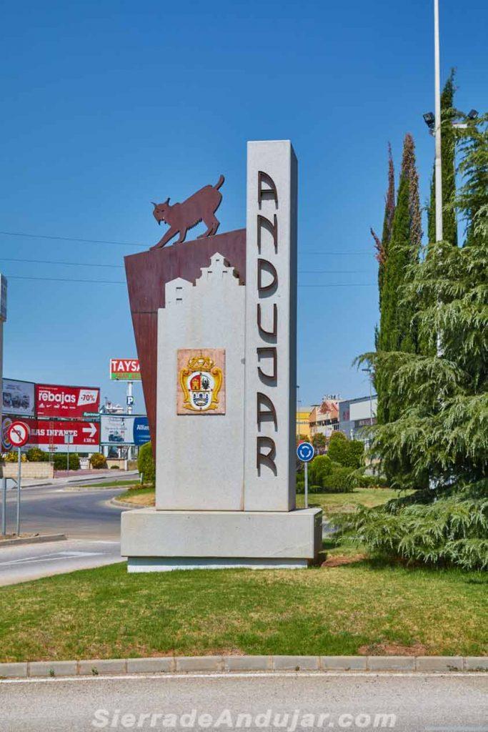 Monumento al lince Andújar
